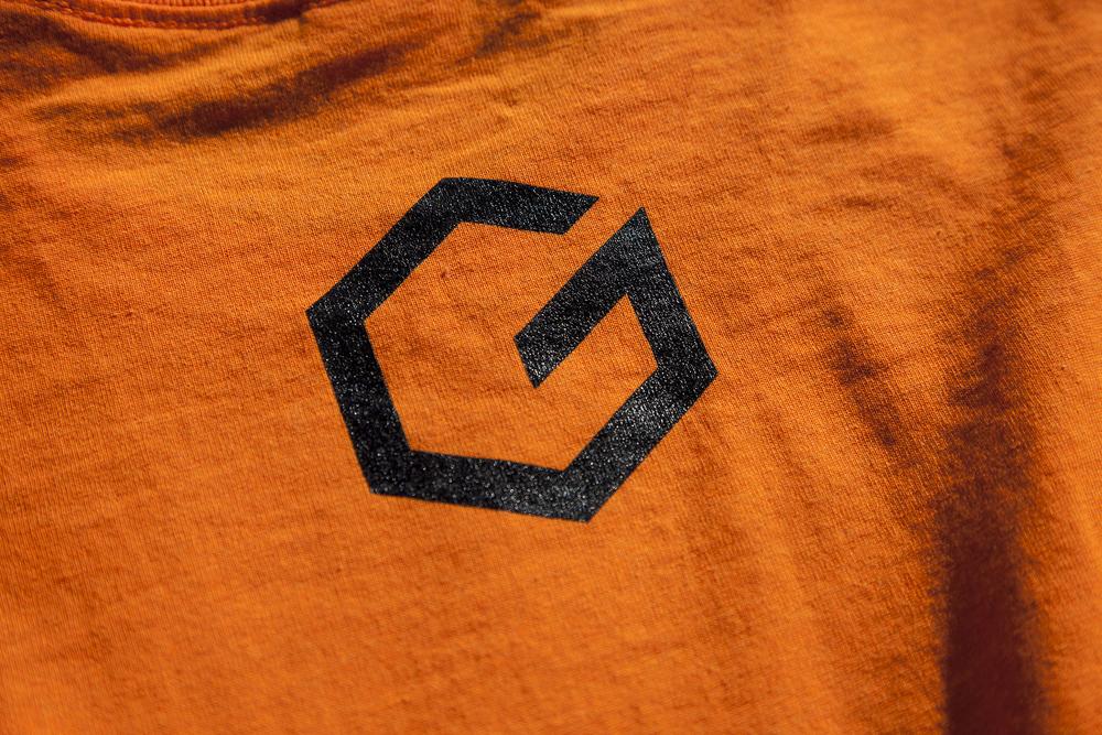 logo_shirtO.jpg