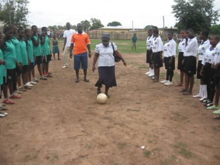 Girls Club in Kenyasi, Ghana Participate in District Games! — LitWorld