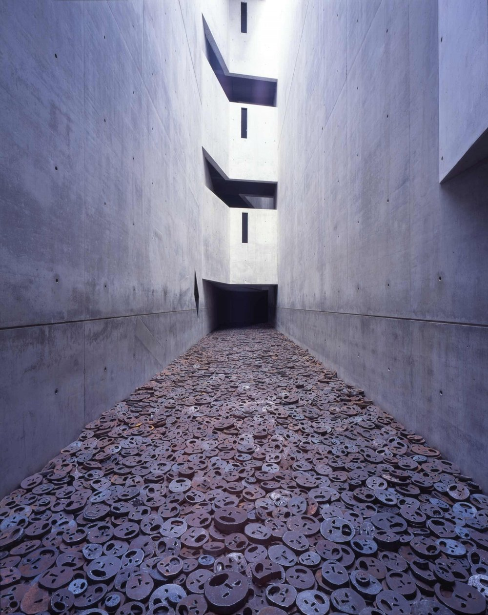One of many such spaces throughout the Libeskind Building, the Memory Void features the haunting Schalechet installation by Menashe Kadishman. Photo: Jens Ziehe.
