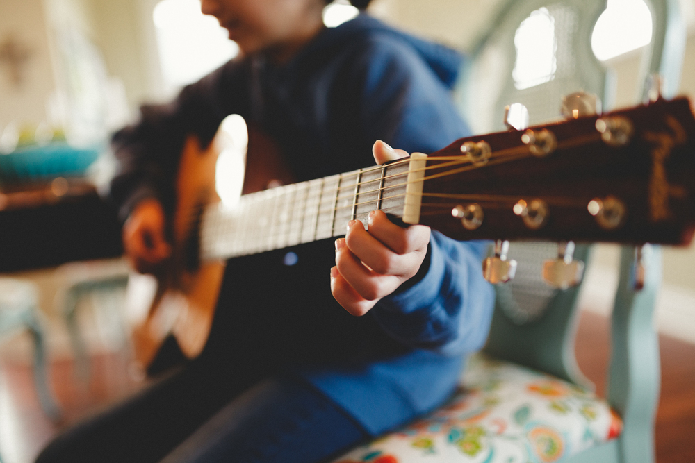 KIDS Music lessons orange county and long beach californiA, PRIVATE PIANO LESSONS, GUITAR LESSONS, VOICE LESSONS, DRUM LESSONS, VIOLIN LESSONS, VIOLA LESSONS, SAXOPHONE LESSONS, SAX LESSONS, FLUTE LESSONS, UKULELE LESSONS, HARMONICA LESSONS