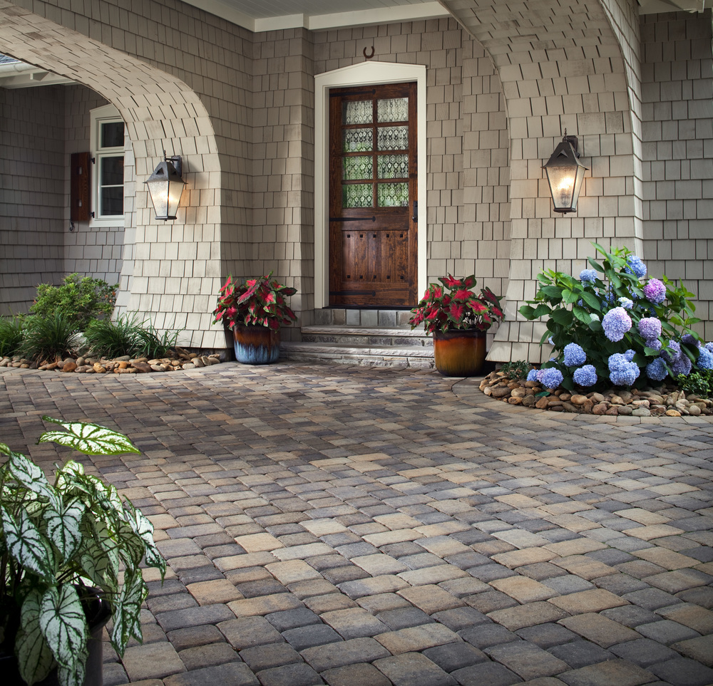 Belgard orion stone depot for Paving stone garden designs