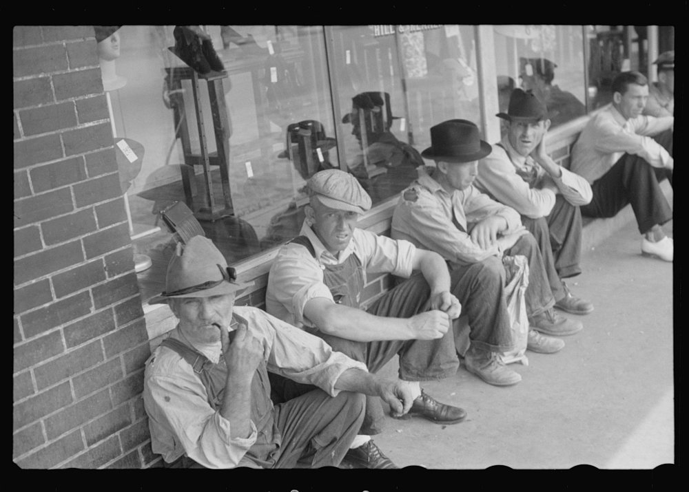 Men Loafing, Crossville, Tennessee 1937  Photo from: http://photogrammar.yale.edu/records/index.php?record=fsa1997017027/PP
