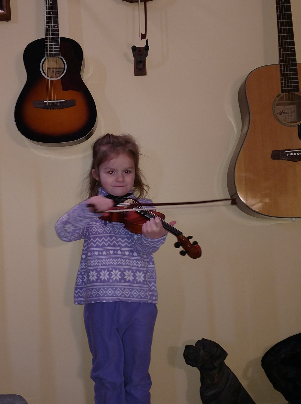 Ruthie with Fiddle.jpg