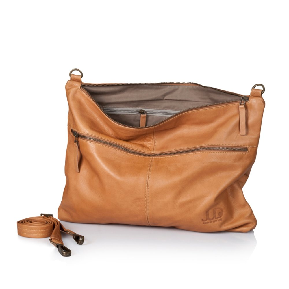 JUDTLV style114 2IN1 Camel leather messenger bag-oversize leather clutch 1200 DISCOUNT 799- PHOTO YARON VINBERG.jpg