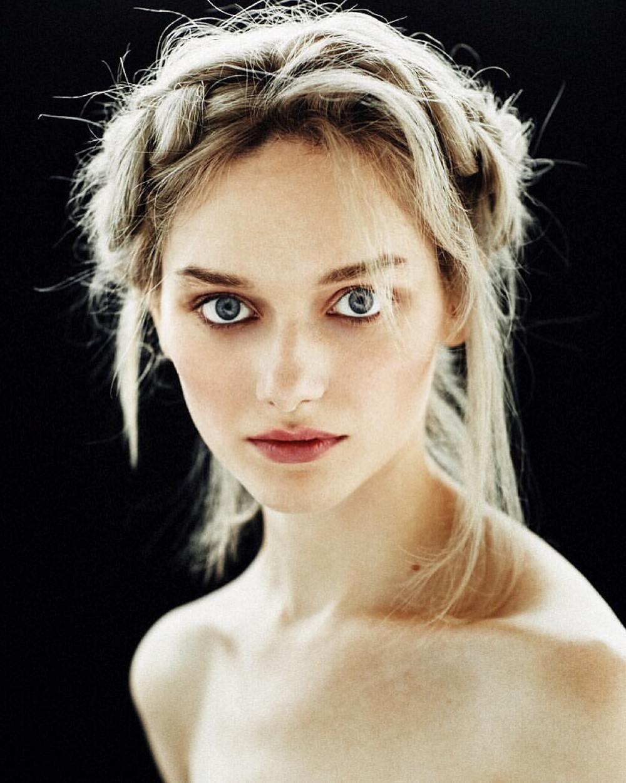 model: Stasya Poškute muah: Vera Kulikova photo: Egor Vasilyev