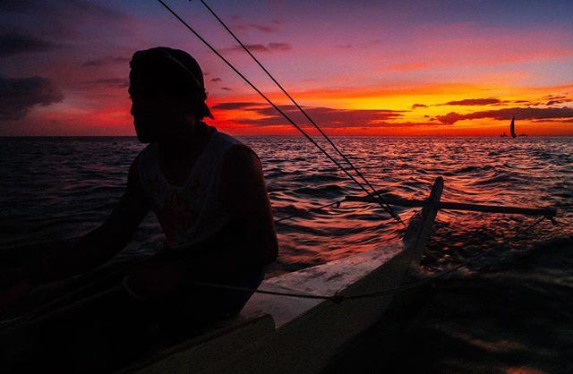 Sundown. 🇵🇭 #itsmorefuninthephilippines #philippines #manila #asia #sunset #streetphotography #travel #instatravel #travelgram #wanderlust #picoftheday #beach #makemoments #travelstoke #landscape #portrait #awesome #mextures #passionpassport #roadtrip #adventure #natgeo #photooftheday #travelphotography #travelling #traveltheworld #vsco #hypebeast #trip #iphone