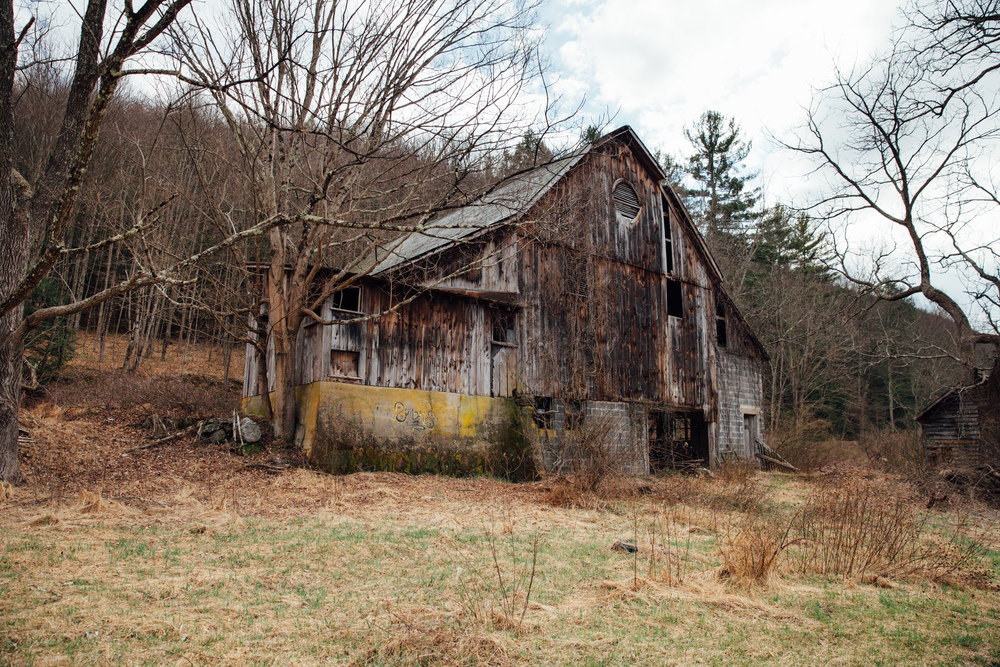 An abandoned farm off of Mountain Road travelling north toward Buttermilk Falls, New Jersey.
