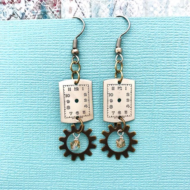 Check out the newest addition to my #etsyshop - repurposed, vintage watch part earrings! ⚙️ These 1️⃣ of a kind earrings make a unique gift for a variety of occasions. Stay tuned for more designs! ✨