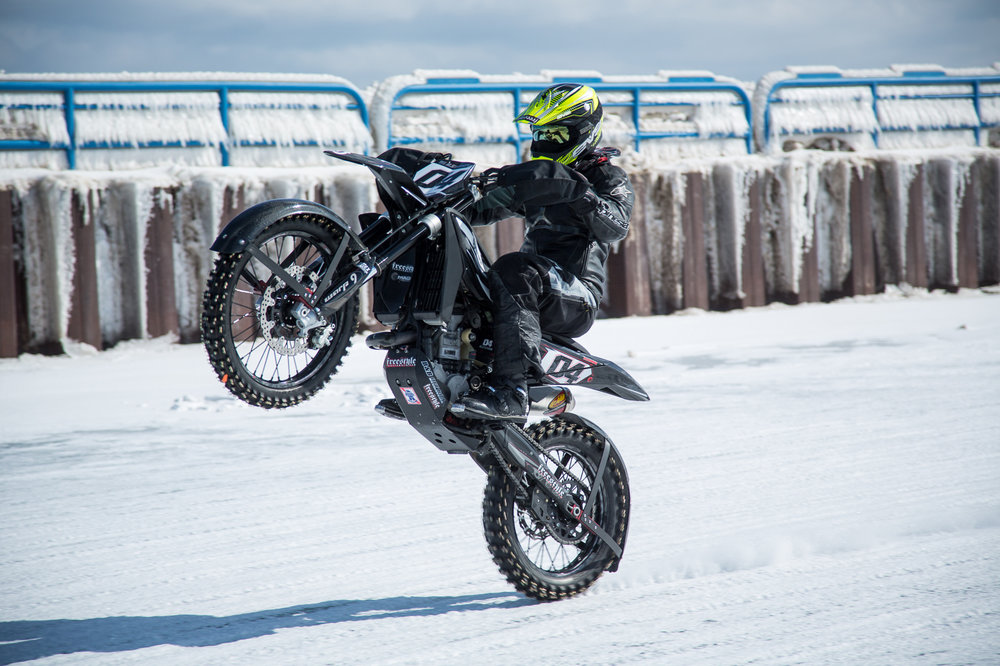 Kurpius_2015_MamaTried_IceRacing_0065.jpg