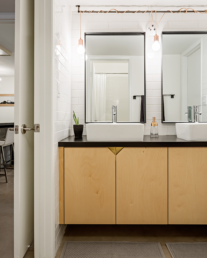 bath vanity.jpg