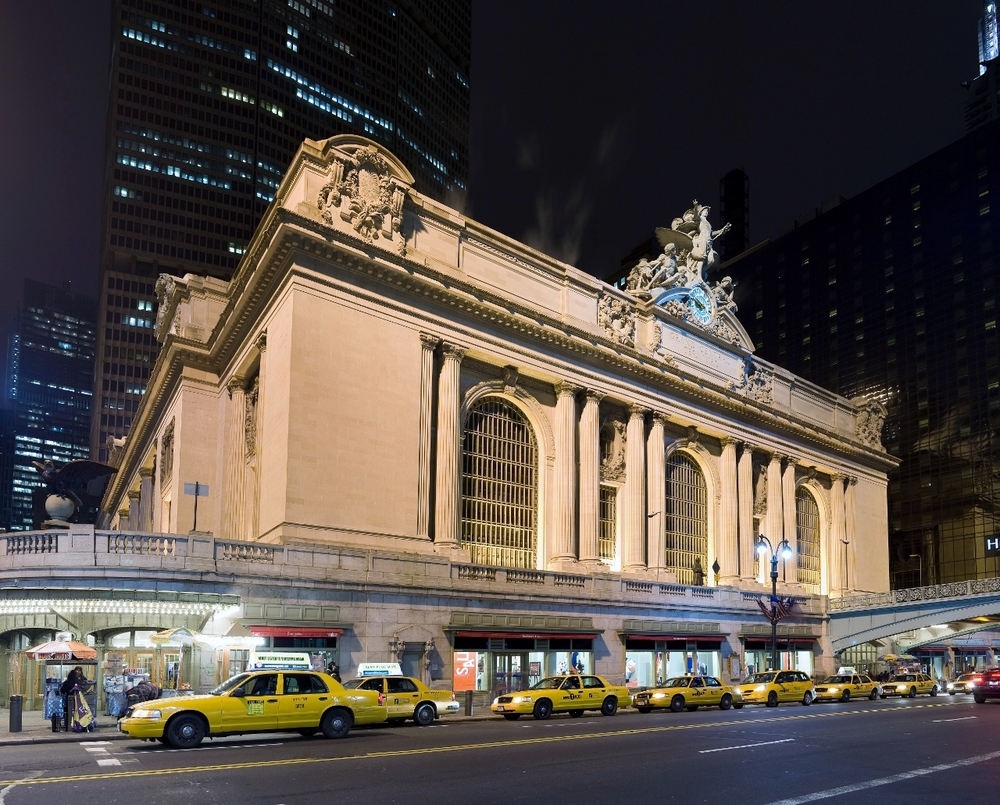 Image-Grand_central_Station_Outside_Night_2 (1280x1031).jpg