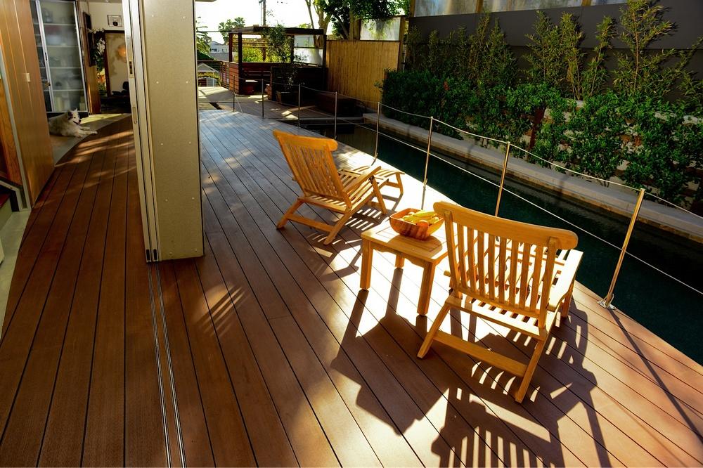Interior/exterior yacht deck