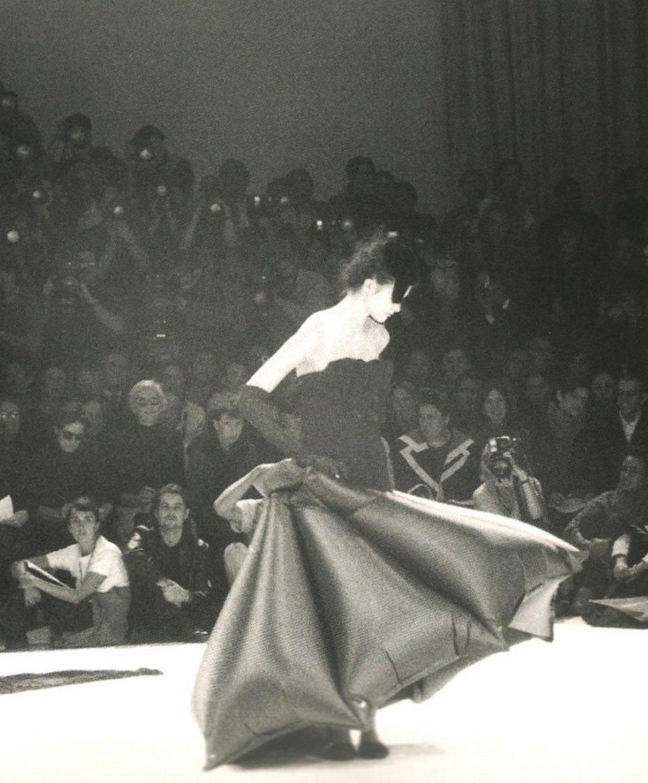 photographicpictures: Yohji Yamamoto Spring/Summer 1999