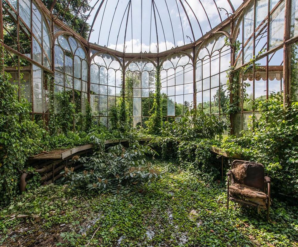 chromacorona :     Photo from @Abanddoned  A beautiful abandoned greenhouse, with nature slowly taking over.    Photo by ©@romain_veillon  #Places_wow by placeswow  http://ift.tt/1T2ct0e