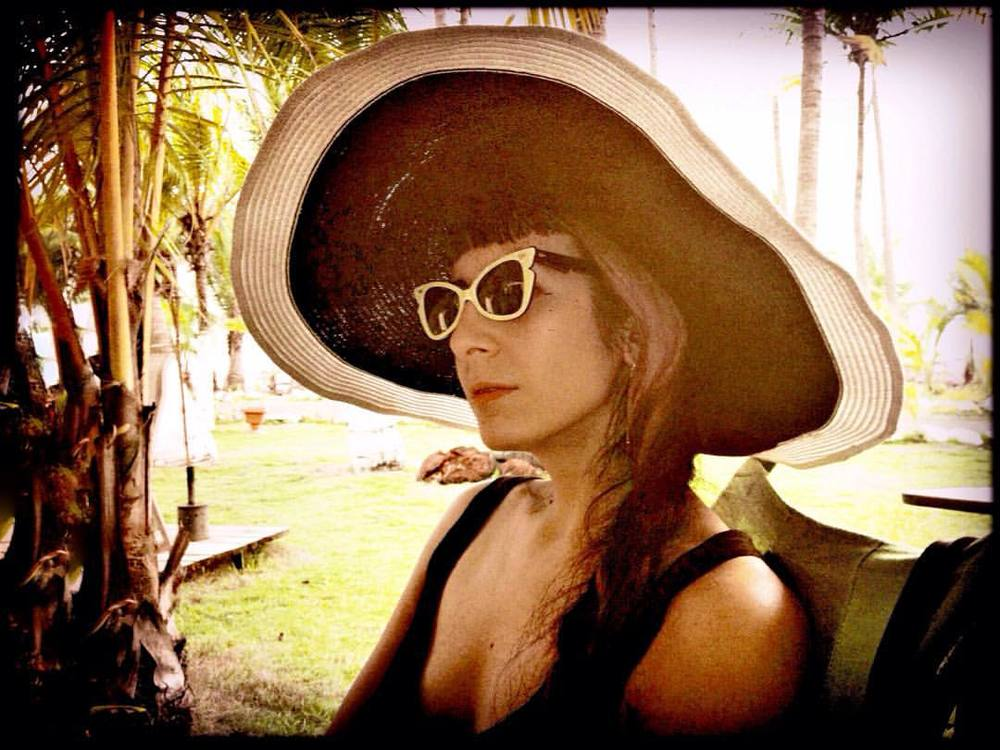 From earlier today at #dommetrips in #costarica. Photo by @joshuajanke. #sunhat and #vintagesunglasses. #travelstyle #darkstyle #darkfashion