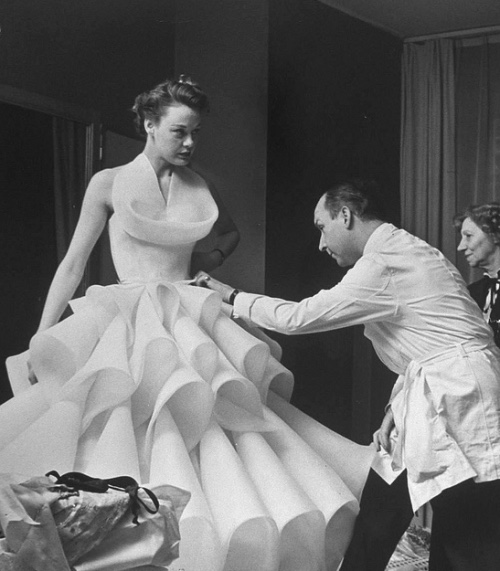petitefina :     dior wedding dress, 1950s