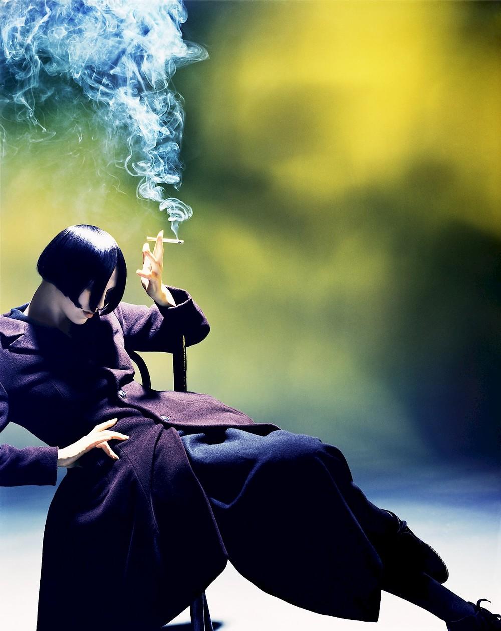 guillaumeladvie :     Nick Knight - Susie Smoking, Yohji Yamamoto, 1988