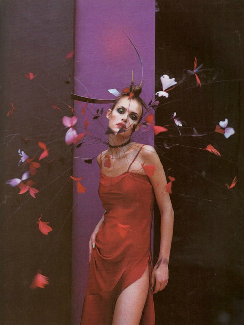 materialbeans :     Photographed by Nick Knight for Vogue UK April 1997