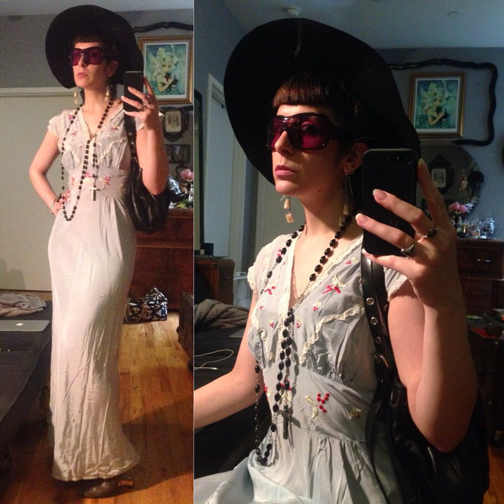 I apparently have to change a few lightbulbs in my apartment spits a bit dark in here but I'm off to Brooklyn at the moment so I will have to do that another day. #vintagehat, #vintagenightgown, #alexandermcqueen sunglasses, #viviennewestwood purse, and #unitednude heels. #nycfashion #nycstyle #vintage #vintagestyle #vintagefashion #nycsummerstyle #summerstyle #summerfashion #30svintage