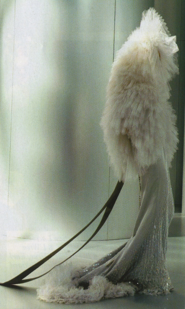 schu-schu: 2010s_fashion_designer_chanel_haute_couture_tüll_hat