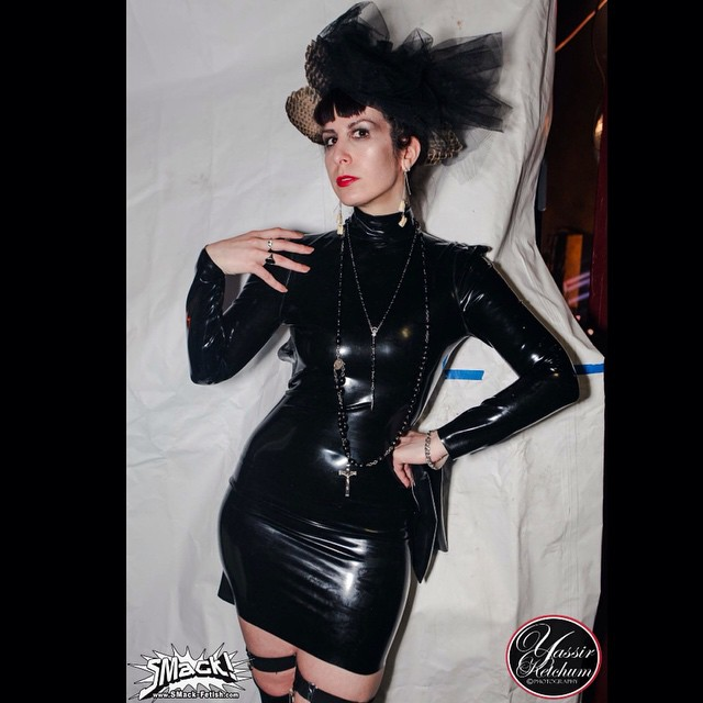 Taken at last years @smack_fetish party. Wearing #BabyLovesLatex backless #latexdress. Still not sure what I will be wearing at tonight's party but I'm sure I can find something. #latexfashion #nycnightlife #Latex #fashionlatex #darkstyle #darkfashion #dark #fashion #style #latexdesigner #latexparty