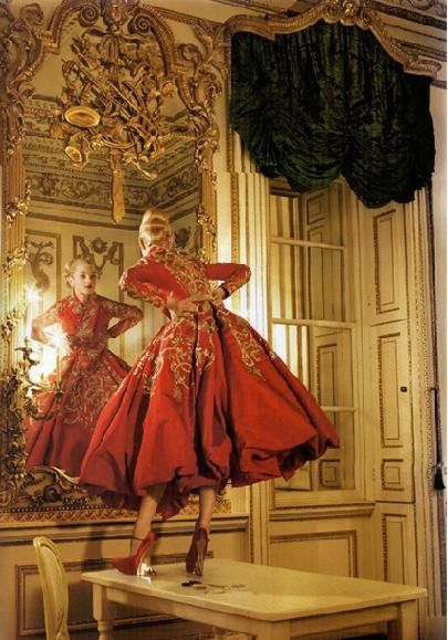 jrodsd619 :     by Tim Walker, Vogue ( think the model is wearing Dior)