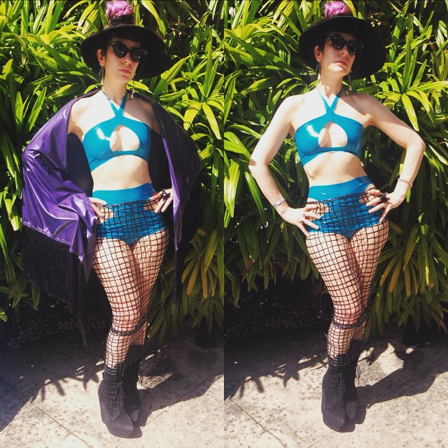 At #fetishfactoryweekend #poolparty. #BabyLovesLatex #visor, #latexbikini, #netlatex skirt, and #latex #fringeshawl, with #jefferycampbell #wedgeboots. #latexfashion #latexfetish #fashionlatex #fashion #style #sunhat #dark #darkstyle #darkcouture #darkfashion #latexskirt #latexswimsuit ##swimwear #poolside