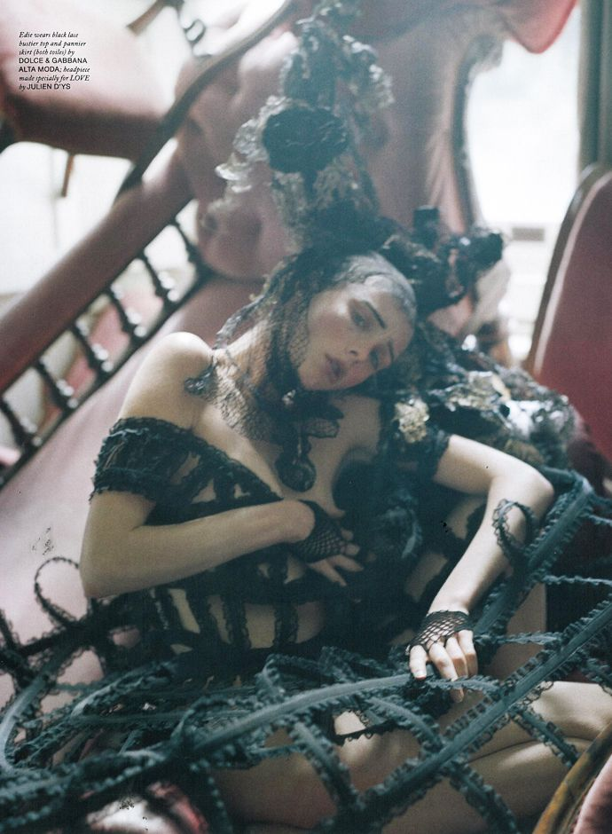 leparadisnoir: Tim Walker for Love Magazine