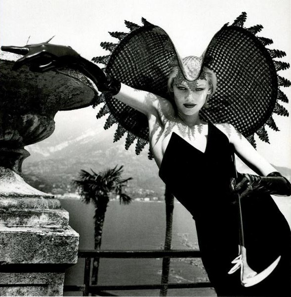 a-state-of-bliss: Vogue Italia Sept 1996 - Shirley Mallmann by Helmut Newton