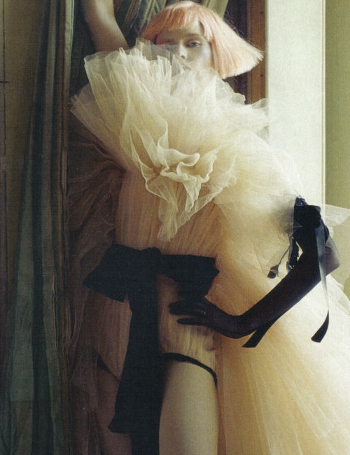 avant-gardefashionpunk :     Tim Walker for Vogue Italia, Marzo 2010