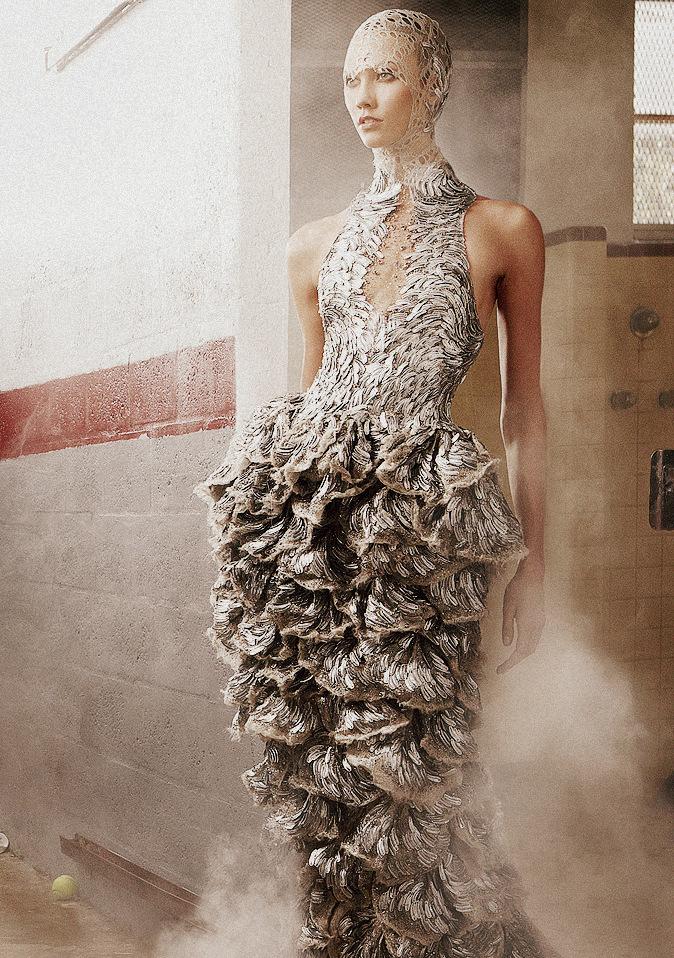 idreamofaworldofcouture :      Karlie Kloss in Alexander McQueen Spring/Summer 2012 for Vogue US June 2012