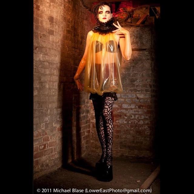 @johanna_constantine modeling for #babyloveslatex. #latex #latexdress #latexfashion #latexcouture #latexfetish #fashionlatex #latexphotography #fashionphotography #dark #darkfashion #darkstyle #fashion #style