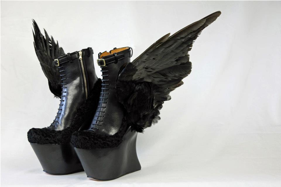 shoewonk :      Masaya Kushino  AW13,Winged, Platform Boots. See more  unique shoes  on Shoewonk.com.