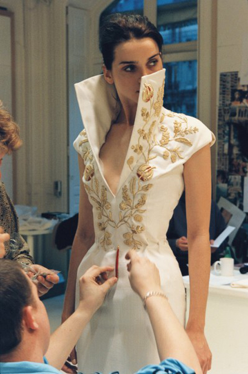 bienenkiste :     Givenchy by Alexander McQueen Spring/Summer 1997 backstage