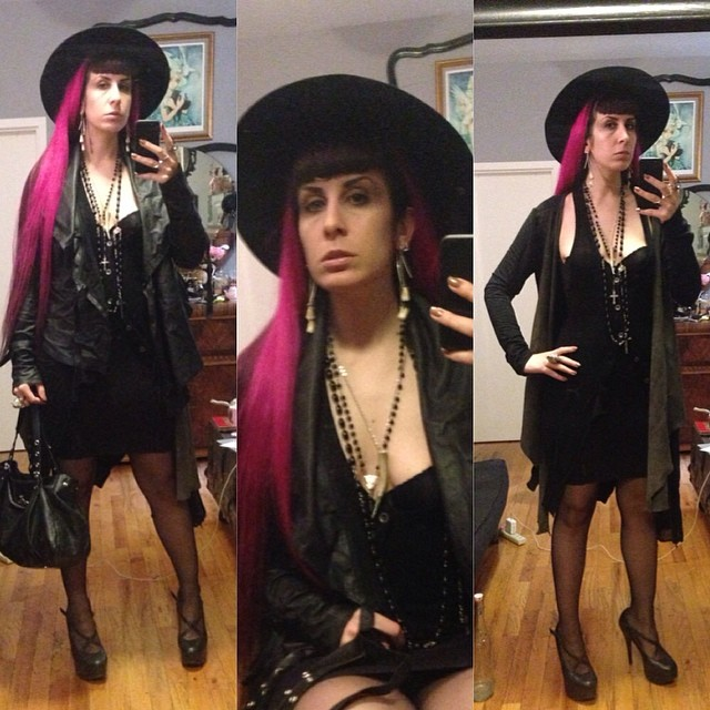 Running out for an evening with friends. #vintagehat, #teethearrings, #yohjiyamamoto sweater vest, #reneemasoomian #leathersweater, #laperla skirt, #natachamarro heels, and#viviennewestwood purse. #realhair #myrealhair #darkstyle #darkfashion #nycfashion