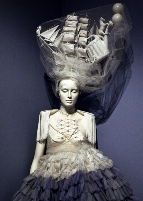 beautynursedondarkness :      Josep Font  Haute Couture  Spring/Summer 2009