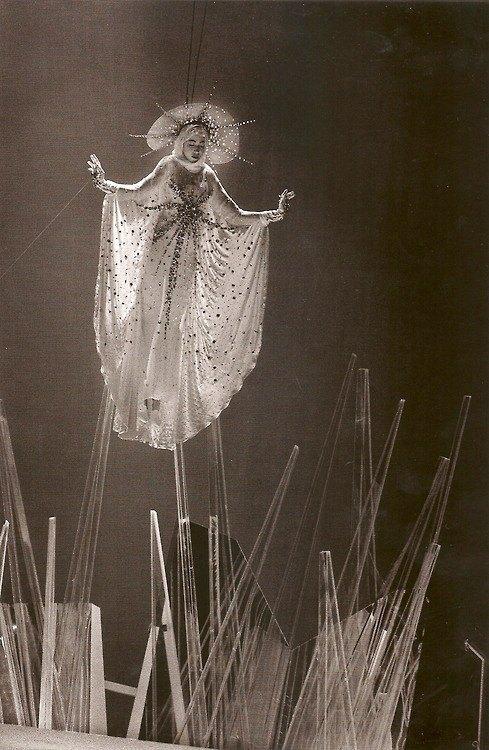 "girlannachronism :     ""La Madone"" from Thierry Mugler fall 1984 rtw"