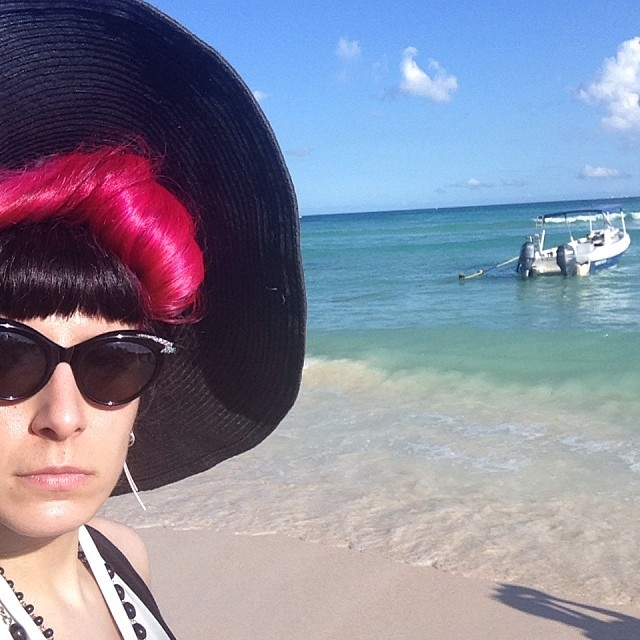 With all the snow outside I keep thinking of how nice it was in Mexico just a few days ago. #mexicovacation #pinkhair #darkstyle #darkfashion #sunhat #beachstyle