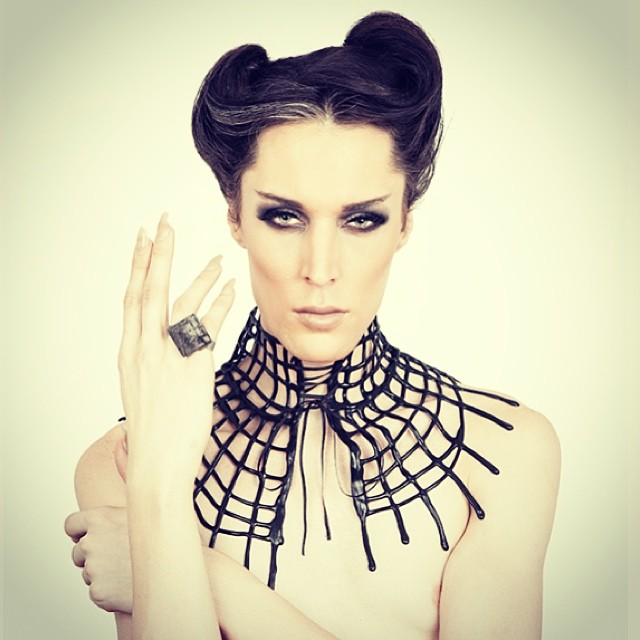 #BabyLovesLatex net latex neckpiece available on #reneemasoomian.com. #latex #latexfashion #fashionlatex #darkstyle #darkfashion #neckpiece