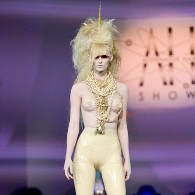 prknifegang :     Amazing @jjhairandmakeup unicorn in @reneemasoomian  #london #hair #show