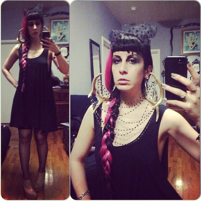 Its a bit hard to get a good photo of this neckpiece. #reneemasoomian neckpiece and dress. #nycfashion #nycnightlife #fashiongoth #gothicfashion #darkfashion #taxidermyfashion #antlers #pinkhair