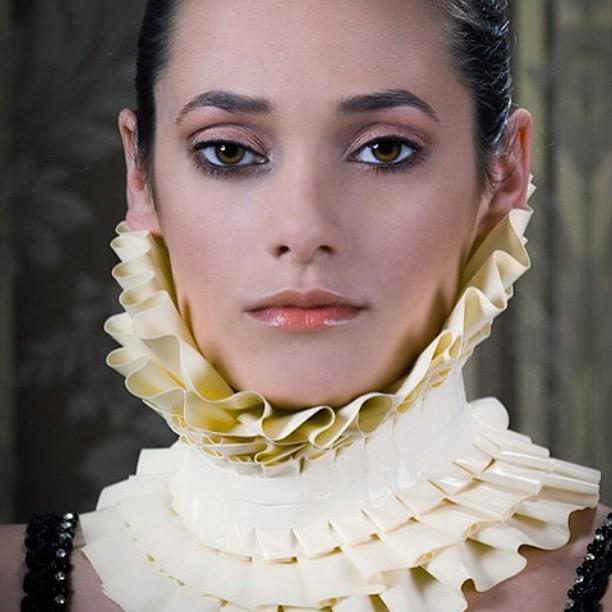 BabyLove's Latex ruffle collar. #latex #latexdesign #latexfetish #latexfashion #collar #ruffle #babyloveslatex #fetishfashion #neckpiece