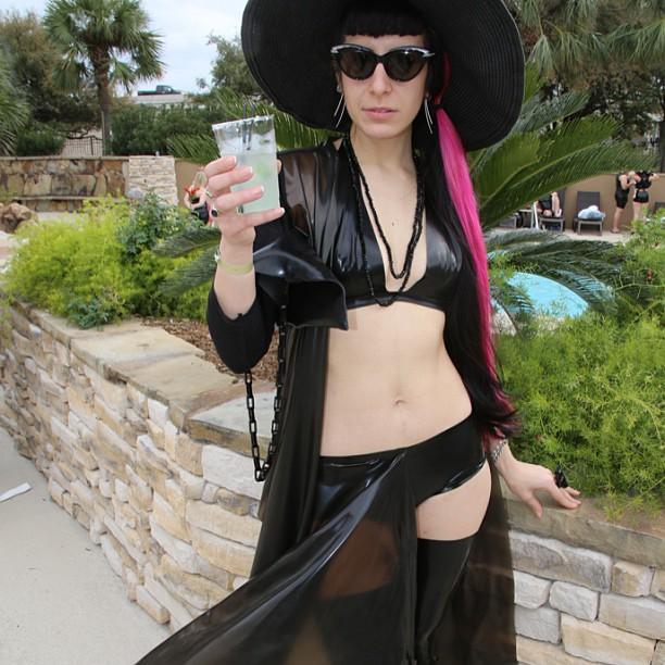 My poolside look from last weekend. #BabyLovesLatex #latex #swimwear #bikini #pool #justanotherday