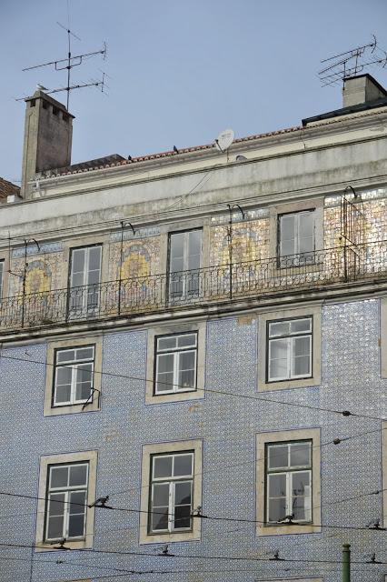 azulejos facade.