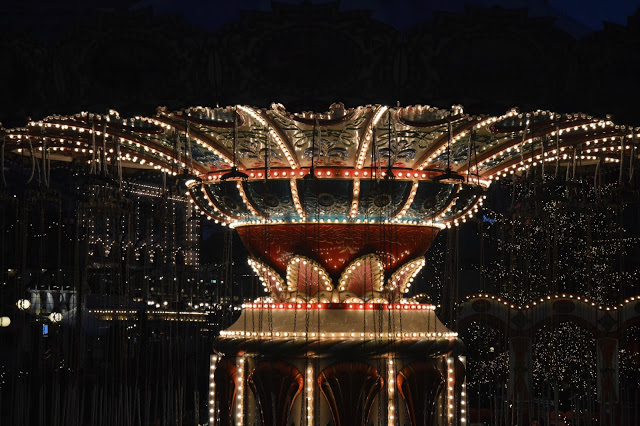 Tivoli by night.