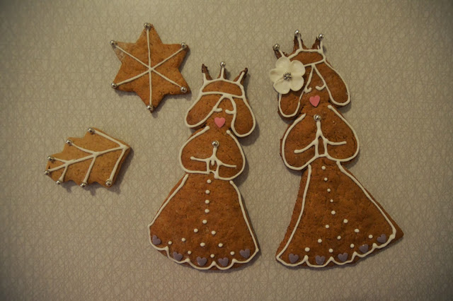 Gingerbread Lucias for my girls.
