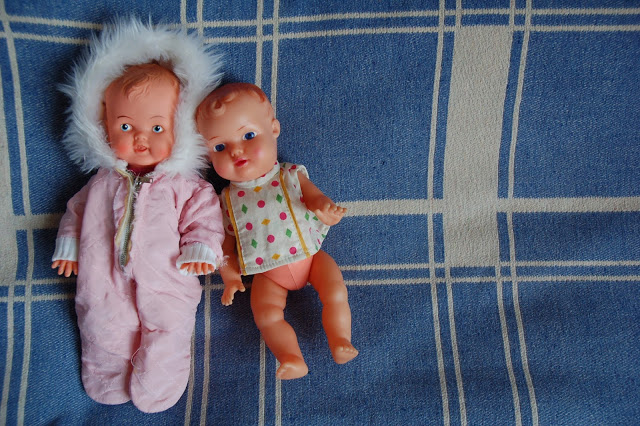 A couple of sweet new little dolls from the thrift store forthe girl's collection.