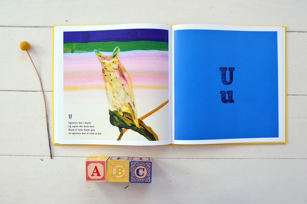 ABC, Knud Romer & John Kørner,Forlaget Carlsen, 2014, ISBN: 9788711346495