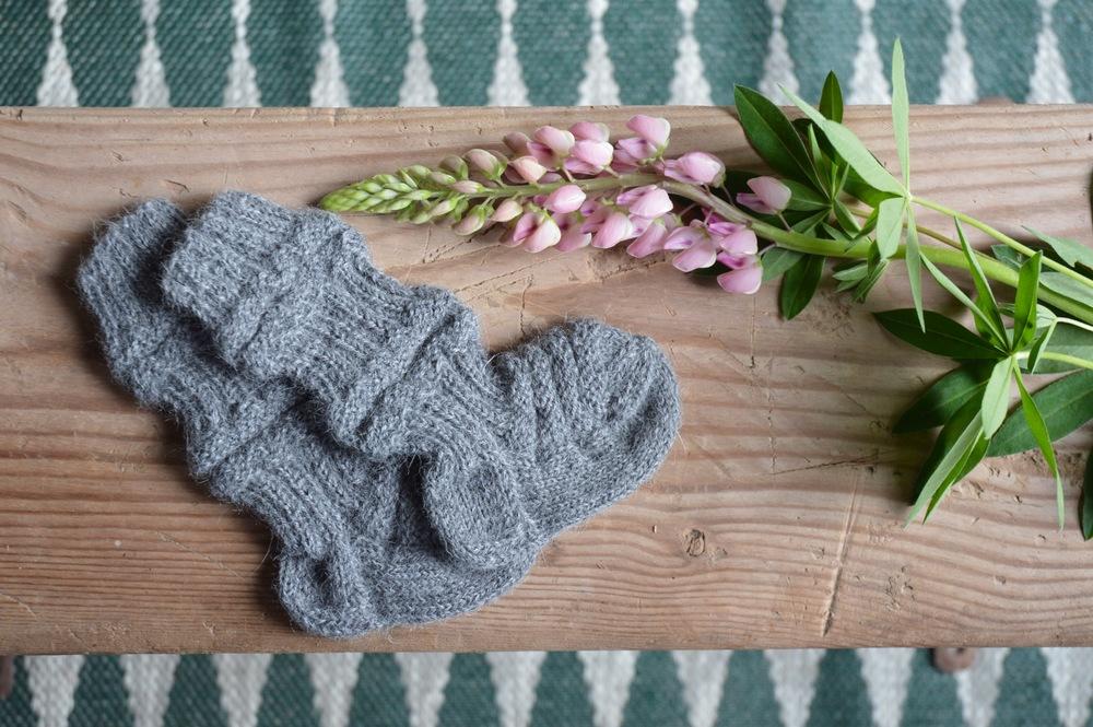 Nieva_socks_giveaway_01