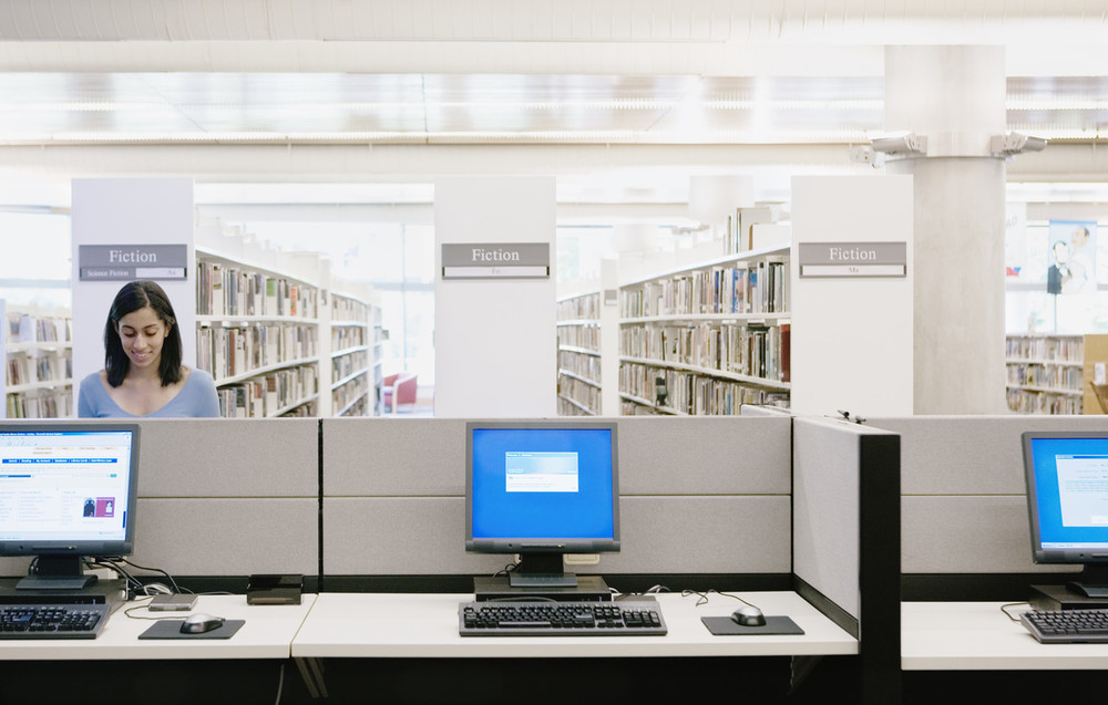 computer-workstations-library-woman.JPG